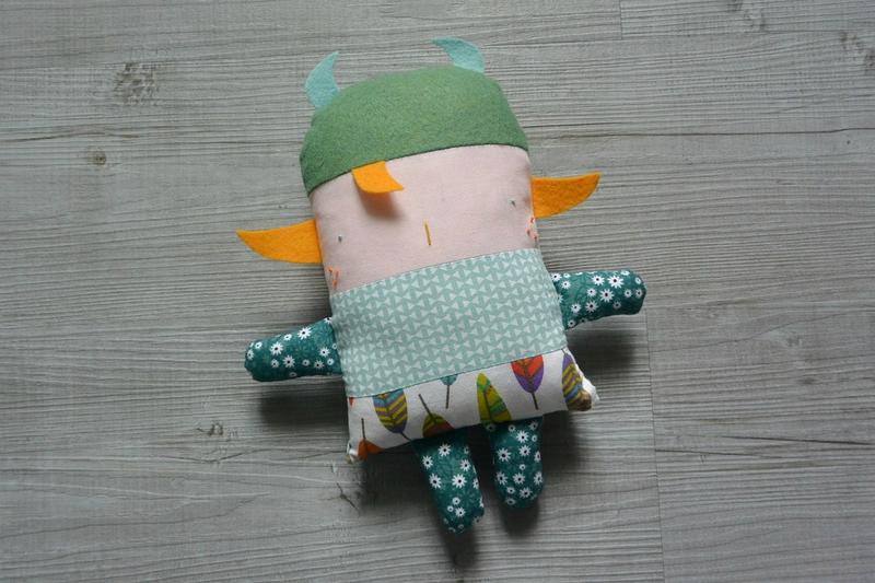 mahault poupée à coudre