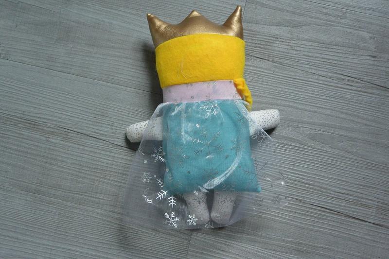 Poupée à coudre reine des neiges (2)