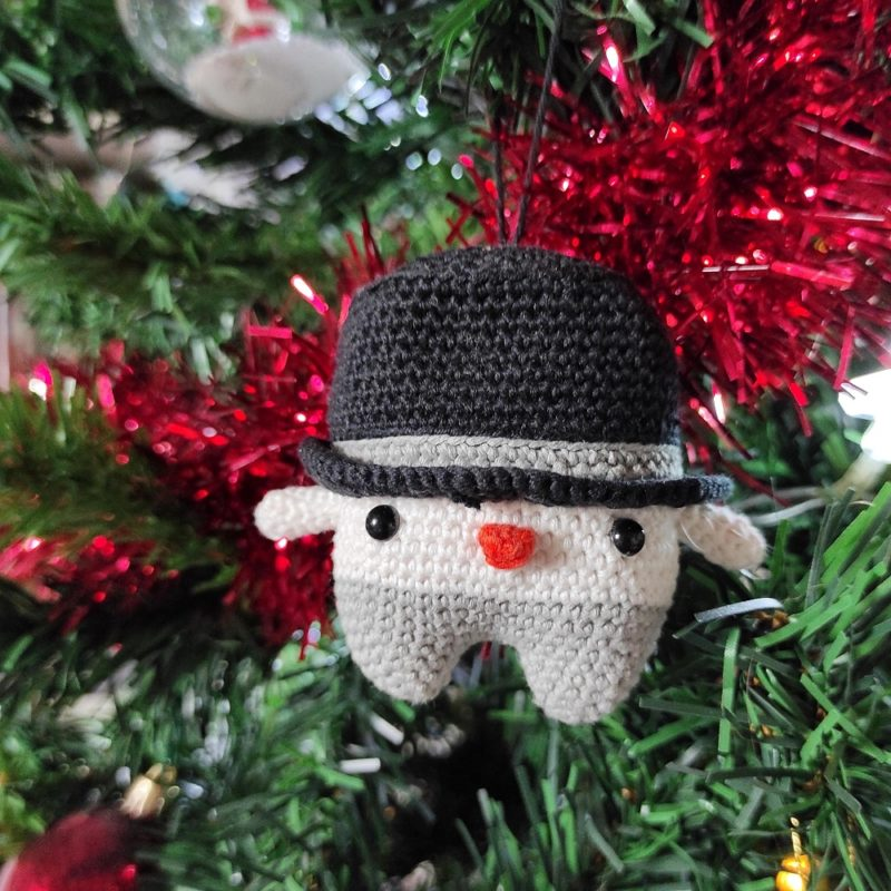 Bonhomme de neige Lalylala crochet The Amazing Iron Woman