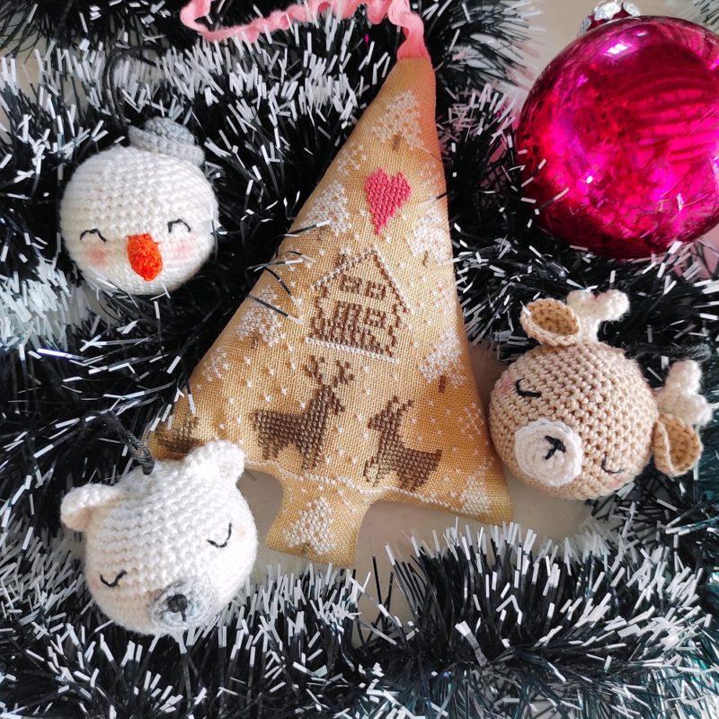 Boules de Noël ligne rétro bonhomme de neige ours renne The Amazing Iron Woman crochet